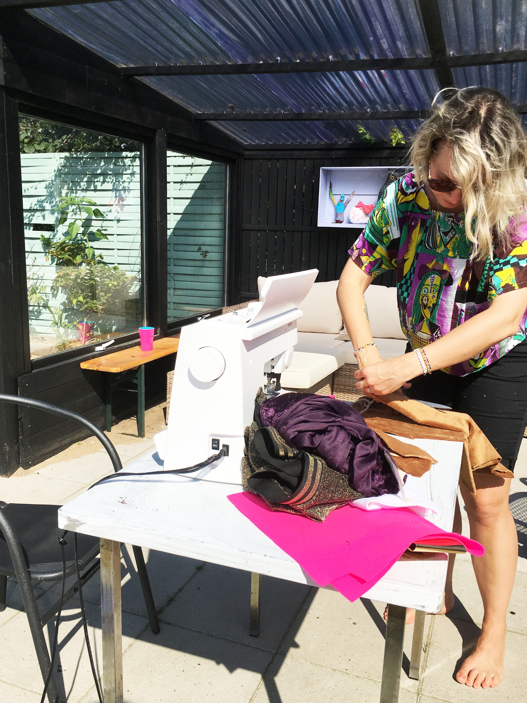 Sewing faux fur outside