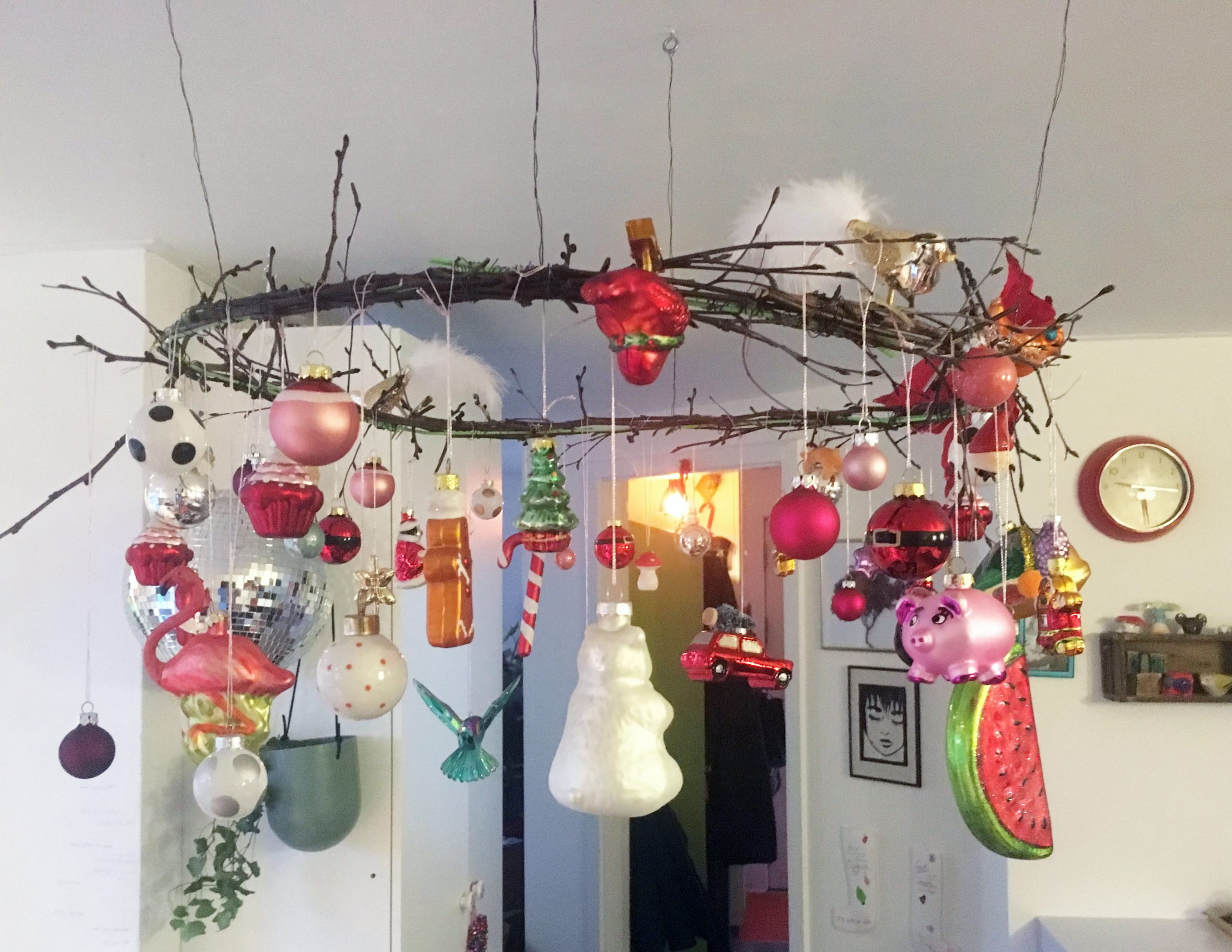 hanging baubles DIY