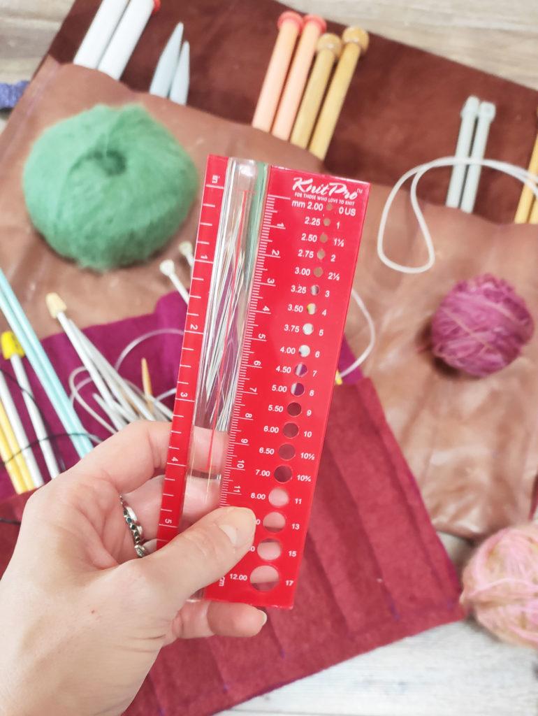 DIY knitting needle case