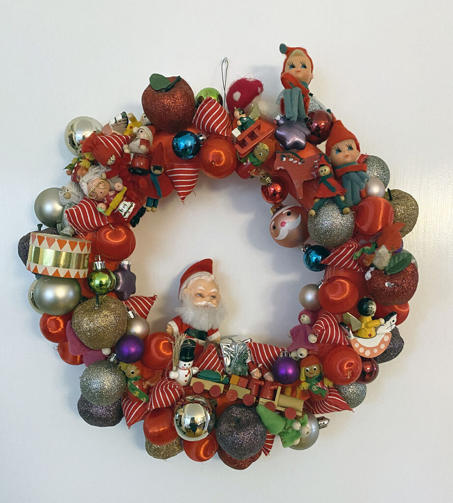 Decorate the house for Christmas