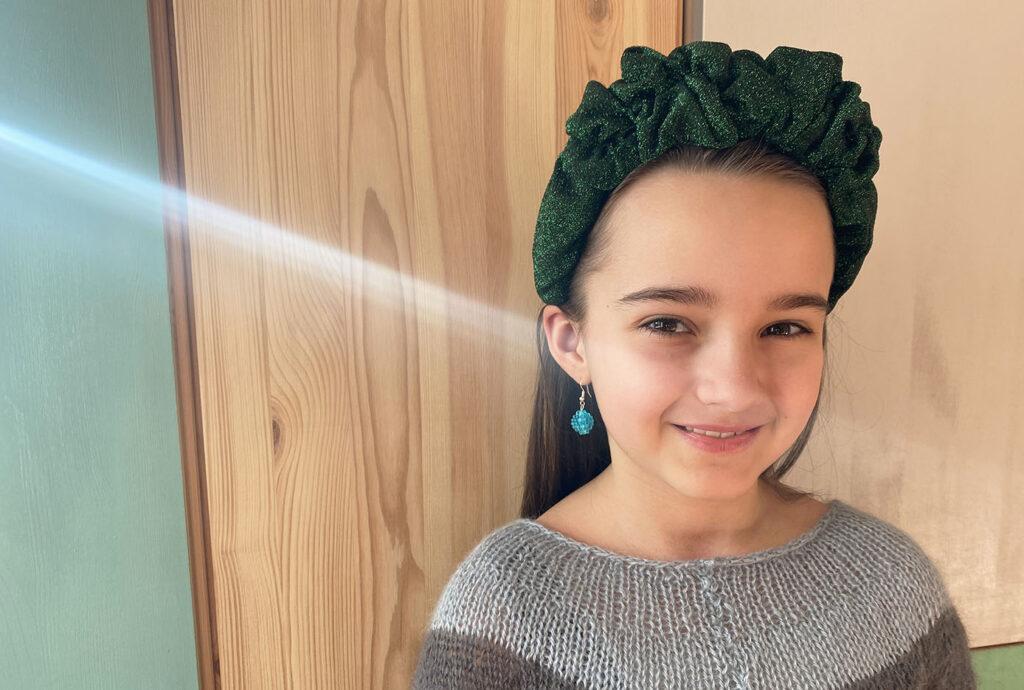 make a scrunchie headband